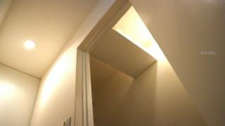 狭いトイレの収納は意外な場所に有り