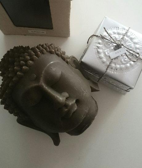 タイのお土産の仏頭キャンドルの画像
