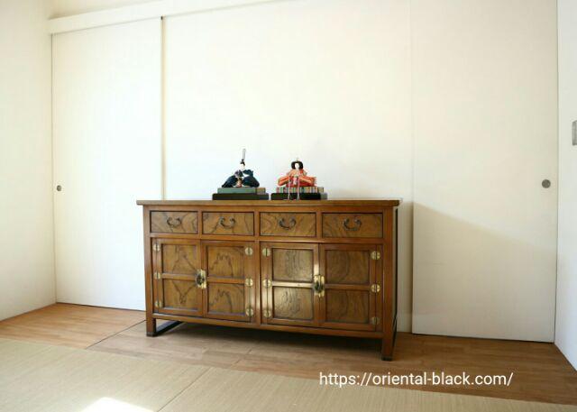 和室に飾った雛人形の画像